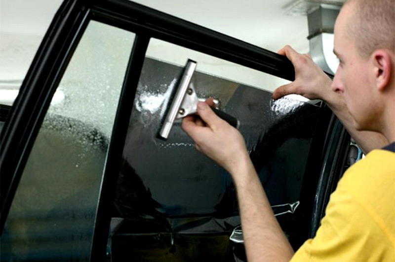 Тонирование и оклейка кузова автомобилей в Саратове